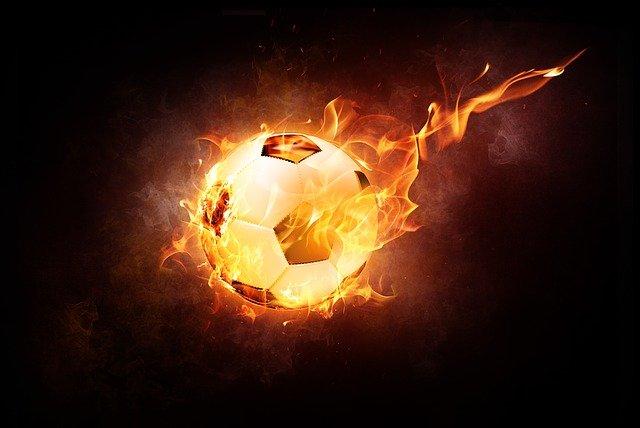 Brandstichting in kliko op sportpark